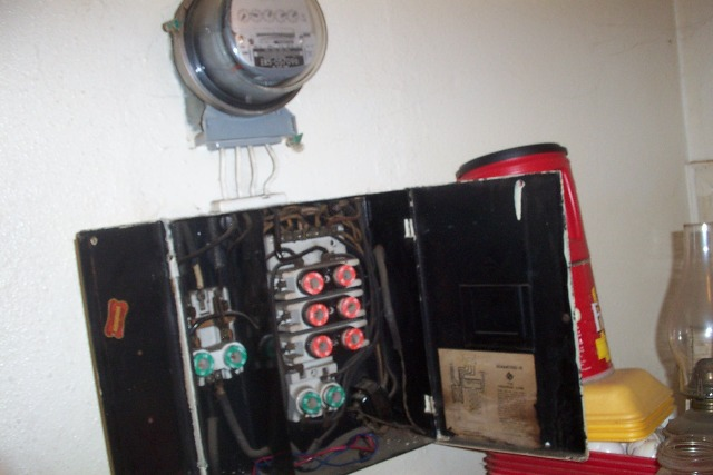 problem with the old fuse box ecn electrical forums wire center u2022 rh rkstartup co 1920 fuse box 100 Amp Fuse Box