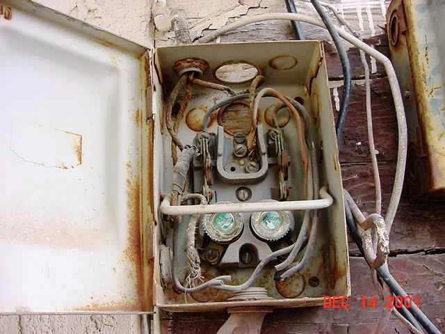 Nfpa is concerned about aging wiring internachi inspection forum edison base fuses ok here if this disconnect was once used for a clothes dryer for example keyboard keysfo Choice Image