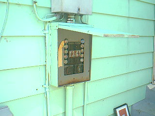 fuse panel on outside of house!!! internachi Air Conditioning Unit Outside Breaker Box fuse panel on outside of house!!!