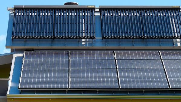 Solar Hot Water Panels Vs Solar Pv What S Cheaper
