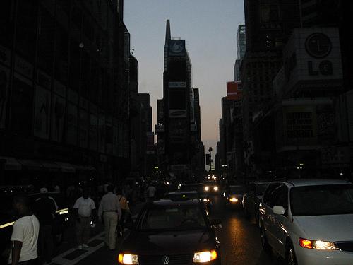Manhattan, y la mayoría del noreste de los Estados Unidos, se va oscuro en agosto, 2003