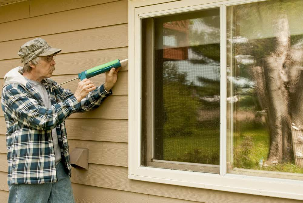 Top 5 fast fixes for faulty windows internachi for Best exterior caulk for windows