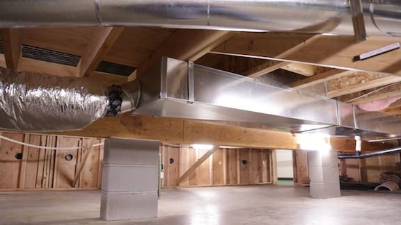 Inspecting Insulation of Existing Crawlspace Floors - InterNACHI